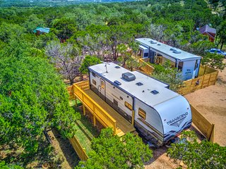 *Texas Hill Country Camper* - Pool Access