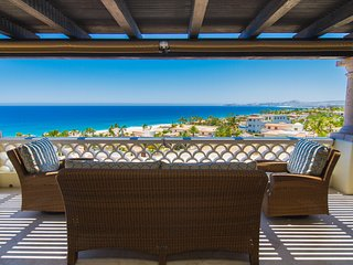 Beautiful 3 BD Penthouse with 180 degree Ocean Views! Pay 5 nights and stay 7!