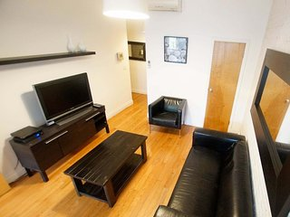 3 Bedroom Sunny Furnished Loft, Soho