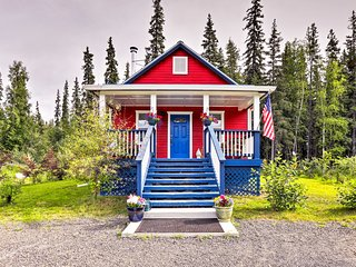 Serene Fairbanks Cottage w/Garden on Chena River!