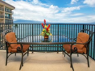 NEW LISTING! Newly-remodeled oceanfront condo w/ shared pool, near beach