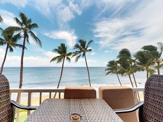 NEW LISTING! Oceanfront condo w/shared pool & lanai with amazing ocean views