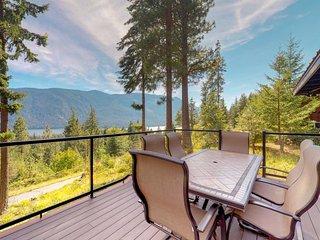 NEW LISTING! Peaceful, spacious mountain home w/ deck & stunning lake views!