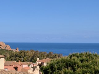 Panoramic Sea Views, Short Walk to Beach In Wild Sardinia