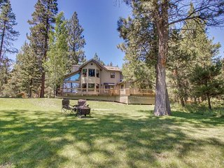 Riverfront home w/ private hot tub, dock - access to shared pools & tennis!