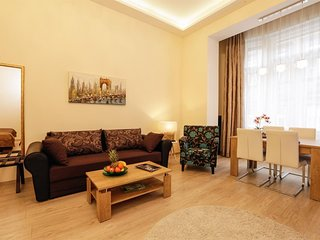 Apartment 477 m from the center of Budapest with Internet, Lift, Washing machine