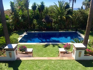 Villa in Marbella with Internet, Pool, Air conditioning, Parking (920977)