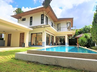 Villa 3 bedrooms In Secured Estate Facing Golf In Kathu, Phuket