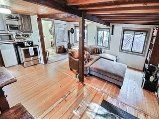Remodeled 1BR Plus Loft 'Blue Pine Cabin' w/ Ultra-Comfy Beds & Fire Pit