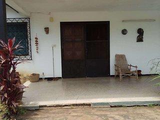 NOT A HOTEL - Centre Lomé - 2 chambres dans maison
