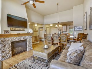 Downtown Winter Park Luxury Chalet - Great Views/Free Daily Activities/Hot Tub
