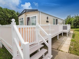 6 berth with D/G & C/H and decking, quiet area of park. At Manor Park. REF 23210