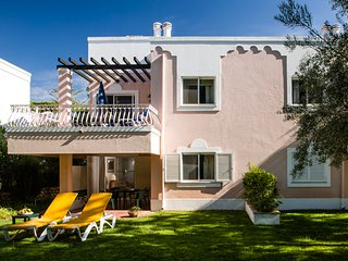 Quinta do Lago Villa Sleeps 4 with Pool Air Con and WiFi - 5480220