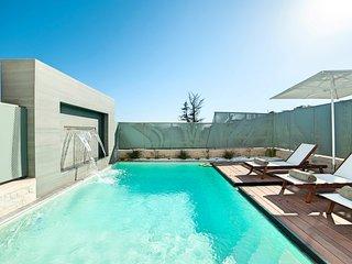 Perla Nera Villa with Private Swimming Pool