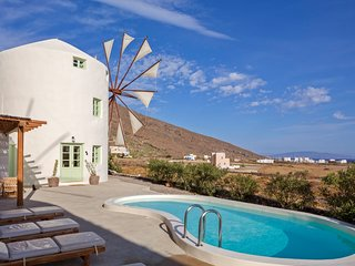 2 bedroom Villa in Porí, South Aegean, Greece : ref 5248663