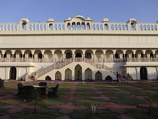 Laxmi Palace Heritage Hotel - Deluxe Double Room 4