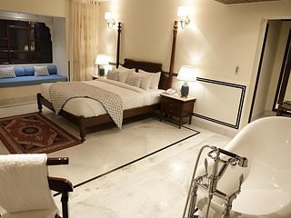 Laxmi Palace Heritage Hotel - Deluxe Double Room 2