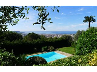 4 bedroom Villa in Nice, Provence-Alpes-Côte d'Azur, France : ref 5252083