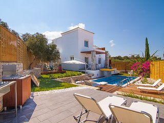3 bedroom Villa in Loutra, Crete, Greece : ref 5248634