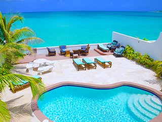 Oceanfront Luxury Home. Private Pool and Sandy Beach. Bahamas Central Location.