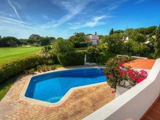 3 bedroom Villa in Vale do Lobo, Faro, Portugal : ref 5480305