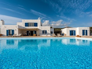 5 bedroom Villa in Agkairia, South Aegean, Greece : ref 5248745