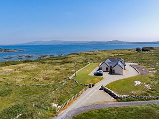 Cottage 313 - Roundstone - Luxury 3 bed with stunning sea views