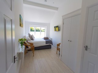 Linden House - Self catering annexe, West Wittering near to Goodwood/Chichester