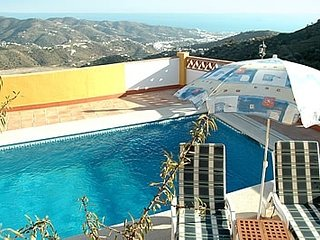 Torrox Villa Sleeps 6 with Pool Air Con and WiFi - 5080280