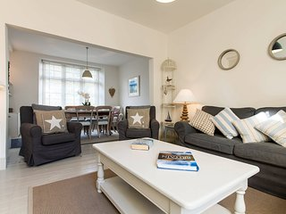 Kittiwake, a lovely 5 Star refurbished fisherman's cottage to sleep 6