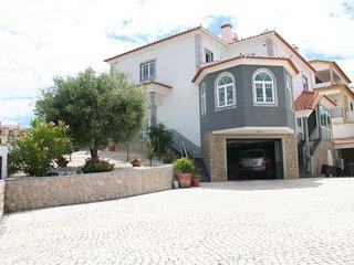 Villa das Oliveiras, Surf and Dinosaur Silver Coast Holiday