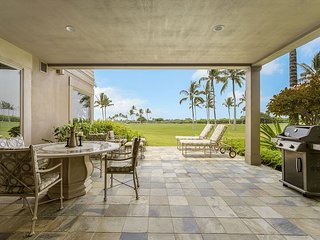 Fairway Villa 110C - Festive Availability - Hualalai Signature Shower