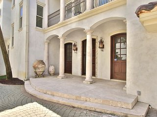 Gulf Front Luxury Home in Destiny By The Sea