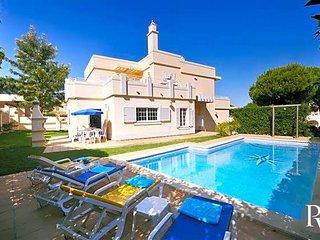 4 bedroom Villa in Vale do Garrao, Faro, Portugal : ref 5574108