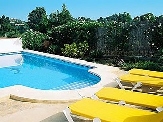 Coin Villa Sleeps 4 with Pool and Air Con - 5080278