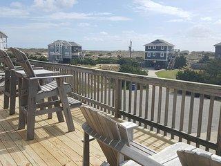 Moondance - One Lot From Oceanfront, Pool, Hot Tub, Quiet Neighborhood, Big View