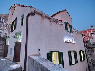 Luxury designed Villa in historical old town of Dubrovnik. Fully equipped...