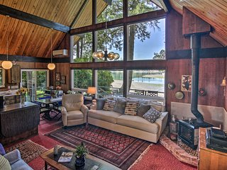 Waterfront Gig Harbor Cabin w/Puget Sound Views!