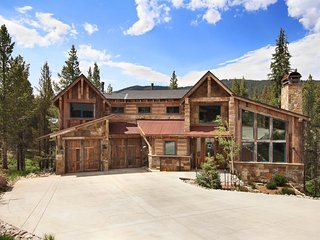 Luxury Lewis Ranch Mtn Home, Walk to Ski Lift