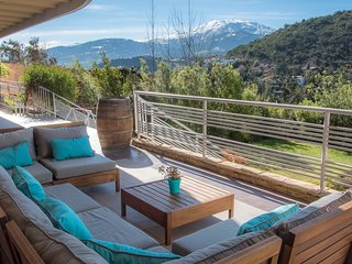 Valle Nevado Ski View! Luxury, High-End Home in Santiago's Most Exclusive Area