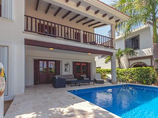 Villa Iguana Quaint Home Minutes to the Beach