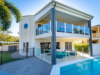 Bribie Beauty, perfect for a family holiday, Elkhorn Ave, Bellara