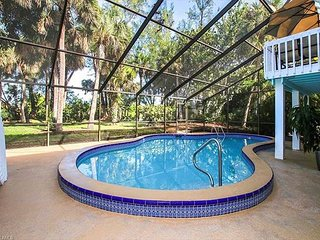 Junonia Dreaming: Stunning & Secluded Pool Home Close to Sanibel Beaches!
