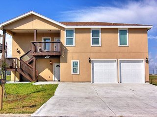 New Construction! 4 bed/3 bath! Beach Access to a fabulous secluded beach!