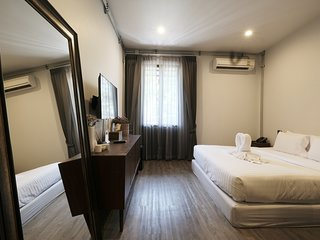 King Room with Terrace and Private Bathroom for 2 Persons