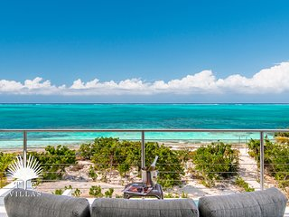 Beach Villa Sandpebble, a 3BR on world famous Grace Bay Beach!