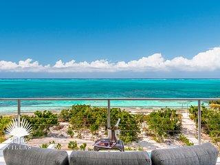 Villa Sandpebble // Family Vacation Beachfront on Grace Bay Beach!