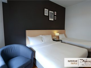 DE HOUSE HOTEL (Superior Triple 1)