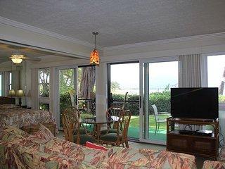 Maui Beachfront 1st floor Condo With Double Lanai—Epic View; 2BR/2BA Sleeps 6