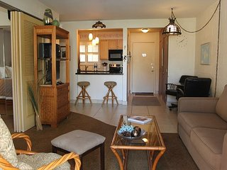 Maui Garden View Condo in Beachfront Resort—Steps to Beach; 1BR/1BA Sleeps 4